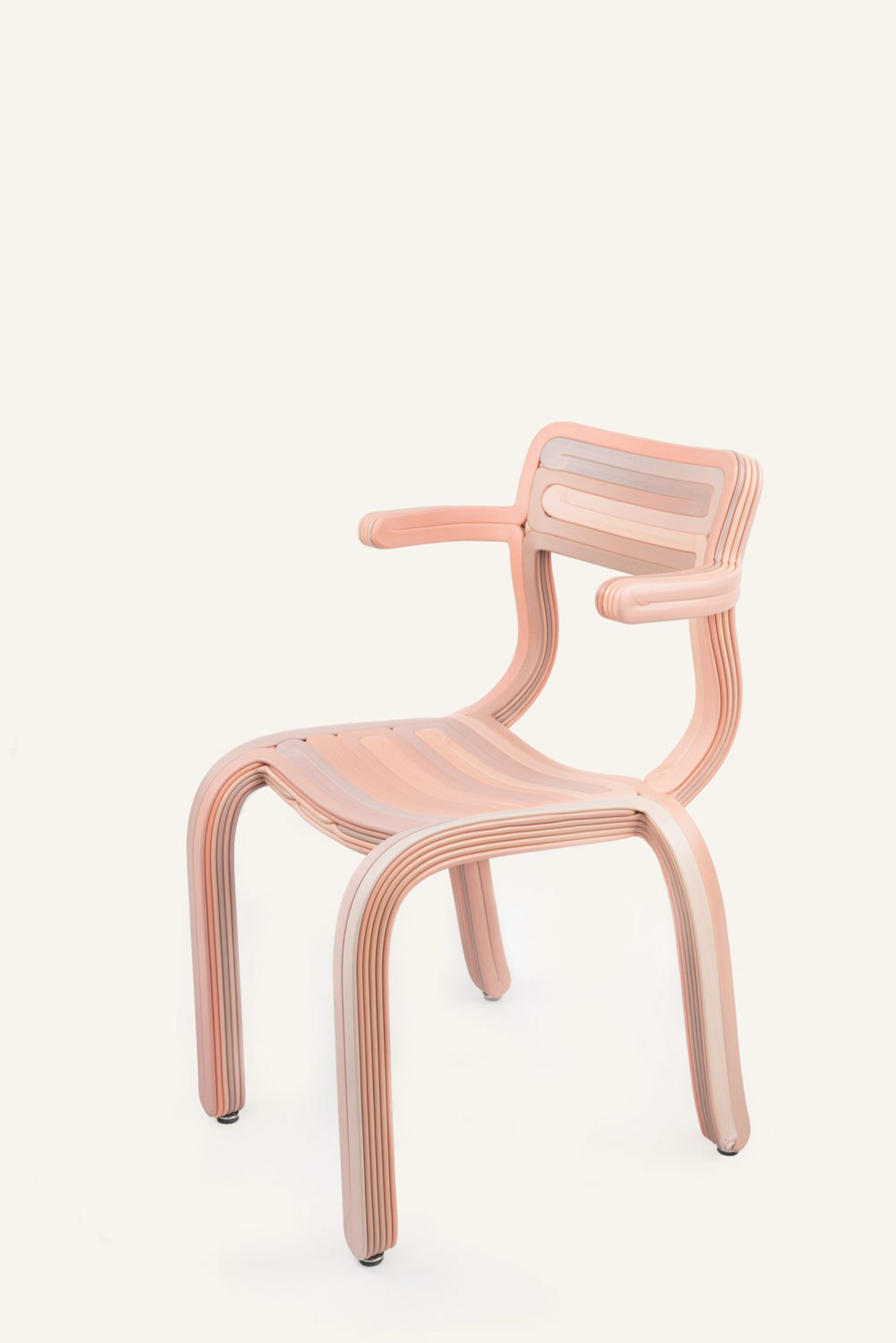 Kooij Rv R chair Pink