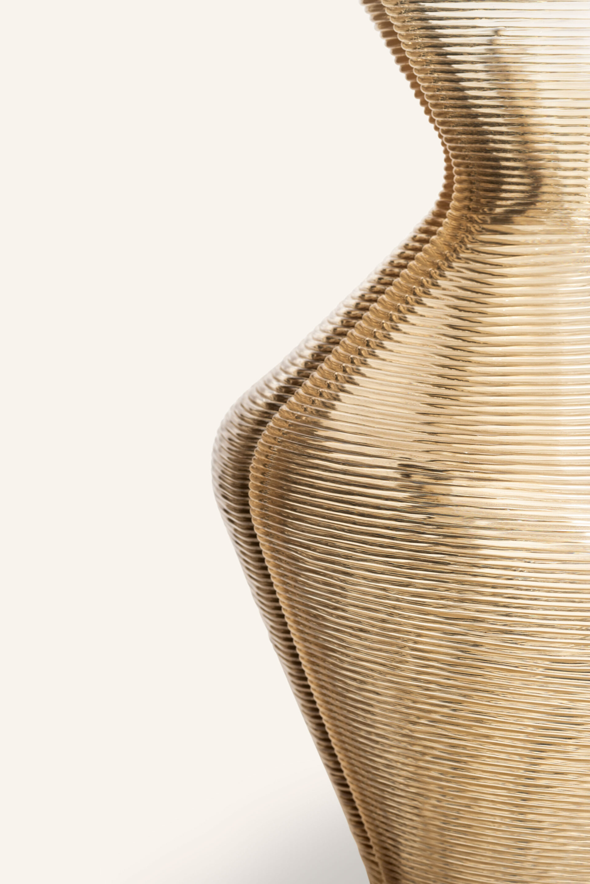 Changing vase side detail